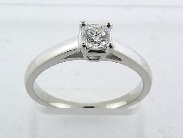 18K White engagement ring claw set with an ideal cut, Dream cut diamond by Hearts On Fire 0.331 carat, E, SI1.
