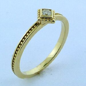 yellow gold stackable ring