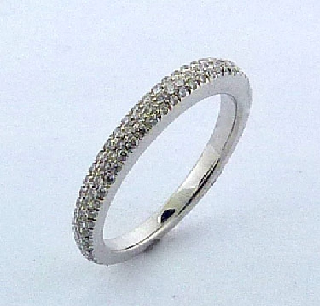 18K White gold Ascend Pave Band by Hearts On Fire set with ideal cut, round brilliant cut diamonds by Hearts On Fire, 0.40 carat total weight, VS-SI, G/H.