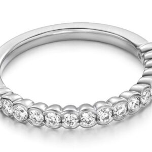 18K White gold Hearts On Fire Isabelle Bezel band set with 16 ideal cut, round brilliant cut Hearts On Fire diamonds, 0.39cttw, G/H, VS-SI.