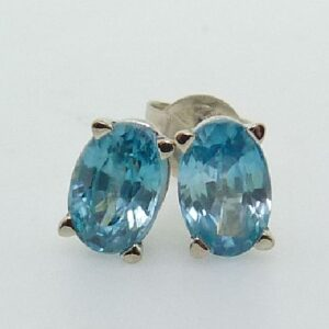 1.60cttw 14K White Gold Oval shaped Blue Zircon Stud Earrings
