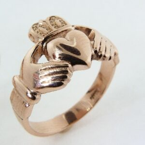 lady's 14K rose gold Claddagh ring