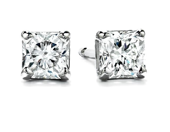 18k white gold stud earrings by Hearts On Fire. These earrings are set with 2 = 0.36cttw G/H, VS-SI Dream cut diamonds by Hearts On Fire.