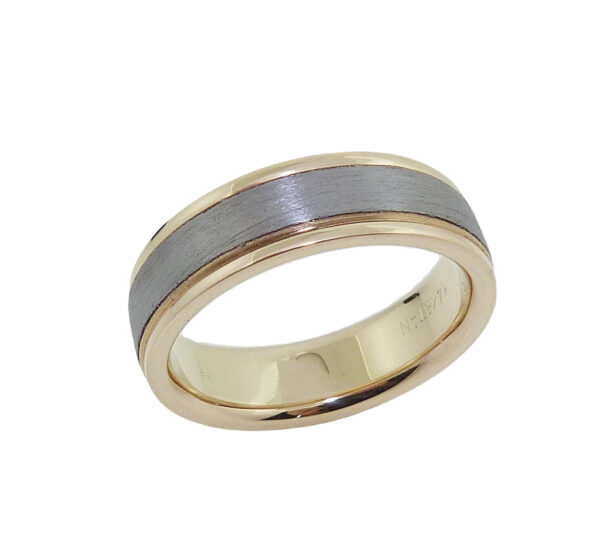 14K Yellow gold and tantalum men's band with soft polished edges and stainless texture on centre.